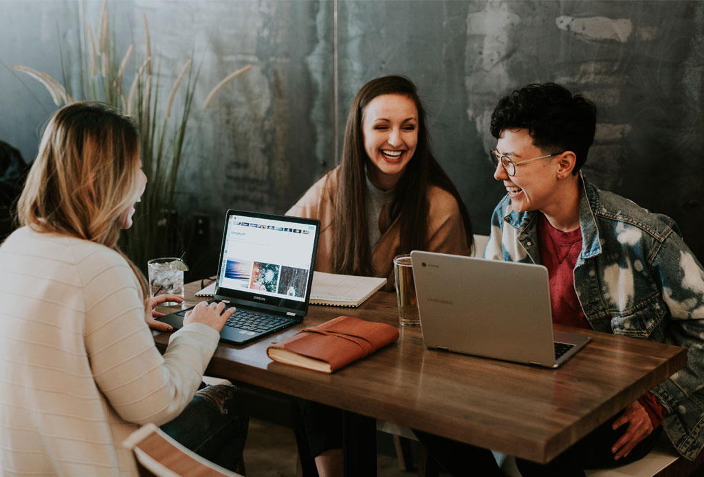 Workplace communication for Gen Z: What you need to know